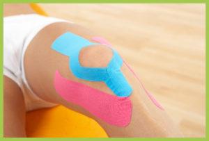 Taping bei Schmerzen des Kniegelenks